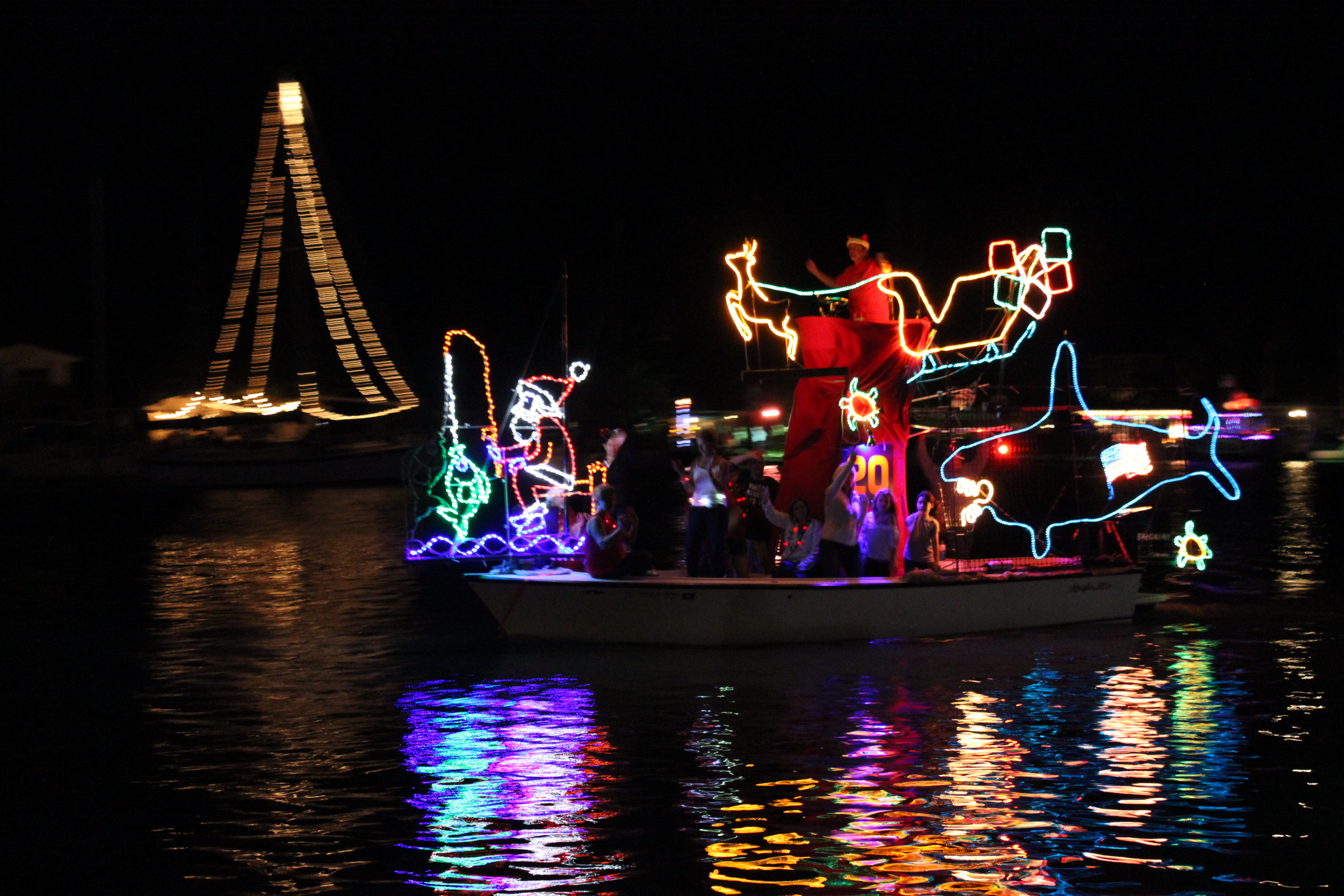 Christmas Boat Parade.51st Annual Festival Of Lights Holiday Boat Parade Mad